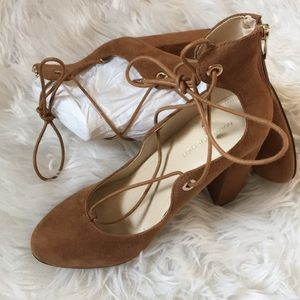 NWT Marc fisher lace up block heels Size 7